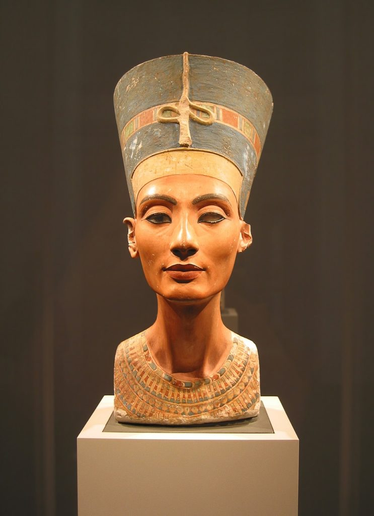 в пыли хамсина 3. Нефертити | karandasha.ru
